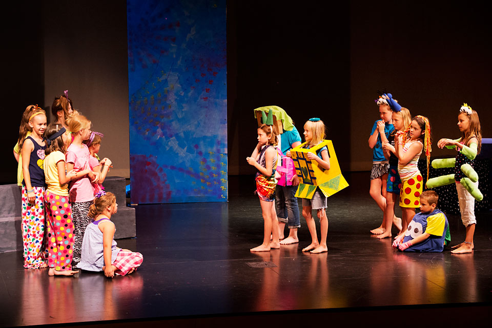 Children at Play - Spectator - Monthly News for UI Alumni