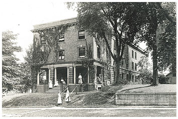 Eastlawn, in either 1915 or 1921.